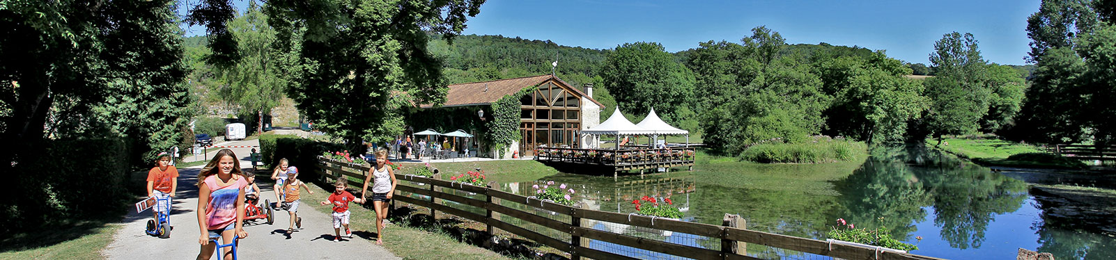 Camping france 5 stars champagne ardenne champagne for Camping champagne ardennes avec piscine